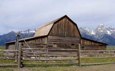Comment comparer des exemples de devis de rénovation de grange ?